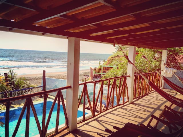 Nicaragua Surf Trip on a budget- Meals included! - Miramar - Penzion (B&B)