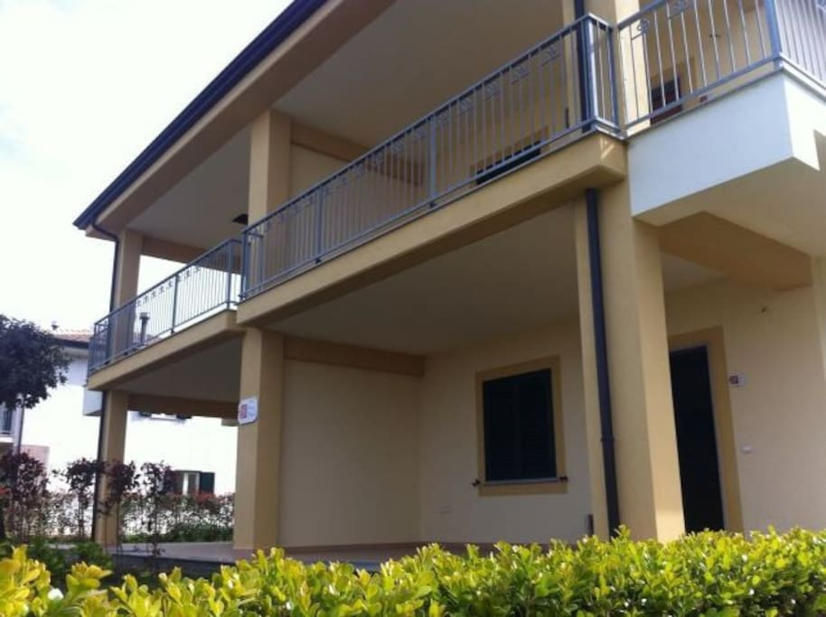 Nuovissimi appartamenti fronte mare appartamenti in for Appartamenti budoni affitto agosto