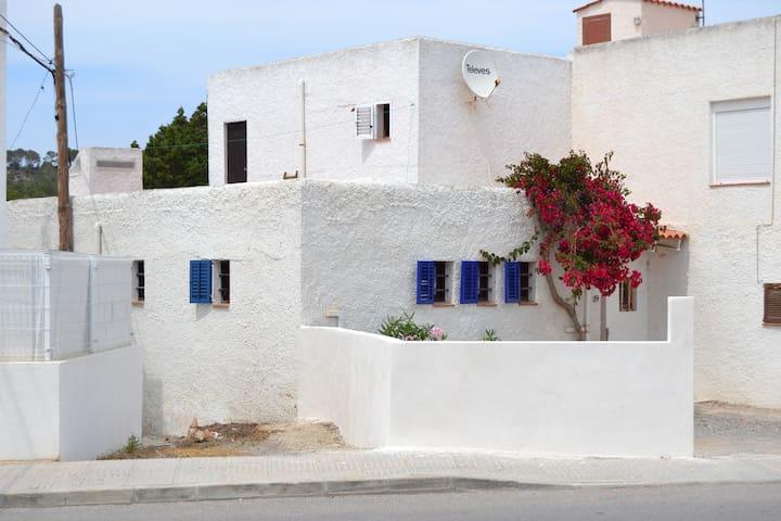 Ibiza Bungalow Cala Tarida - Sant Josep de sa Talaia - Hus