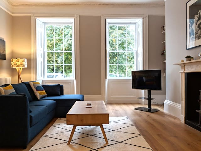 Beautiful central Bath Apartment