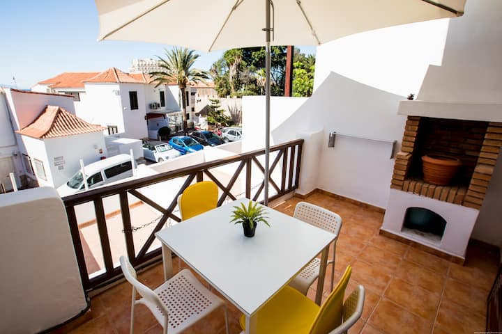 First line central apart LA with WIFI, HEATED pool