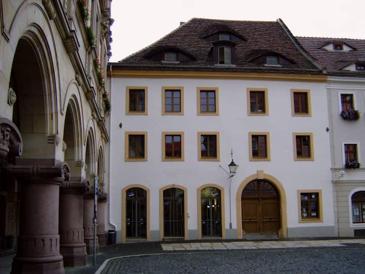 Tolles Appartment mit offenem Balkon,Altstadt 2-3P