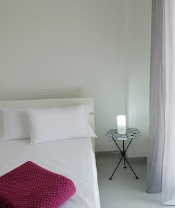 """B&B Casa Guarini - Room """"Easy"""" - Corigliano D'otranto - Bed & Breakfast"""