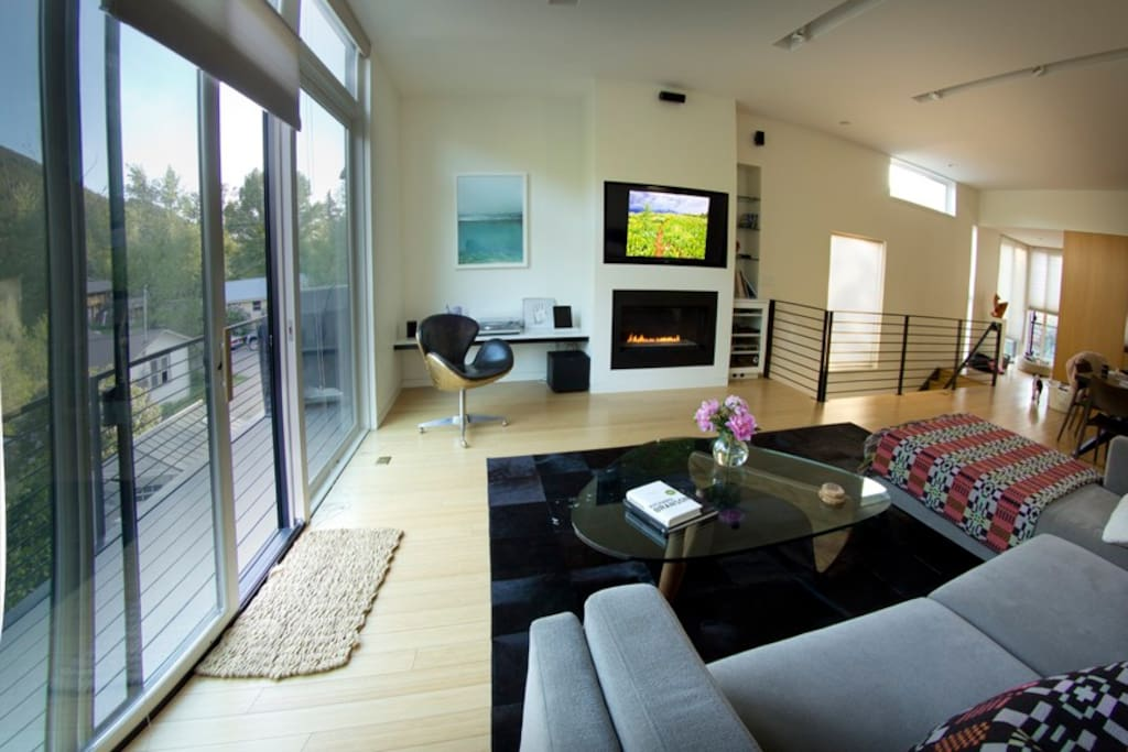 State-of-the-art media wall, balcony with Weber Grill.