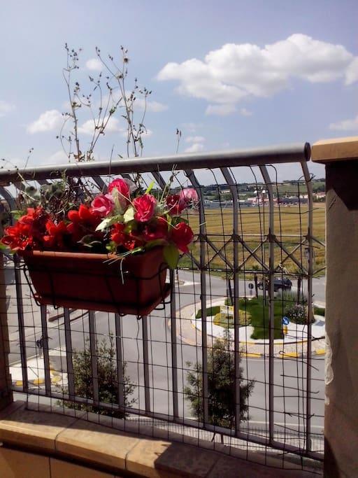 Balcone con vista sulla piana di Montorso.