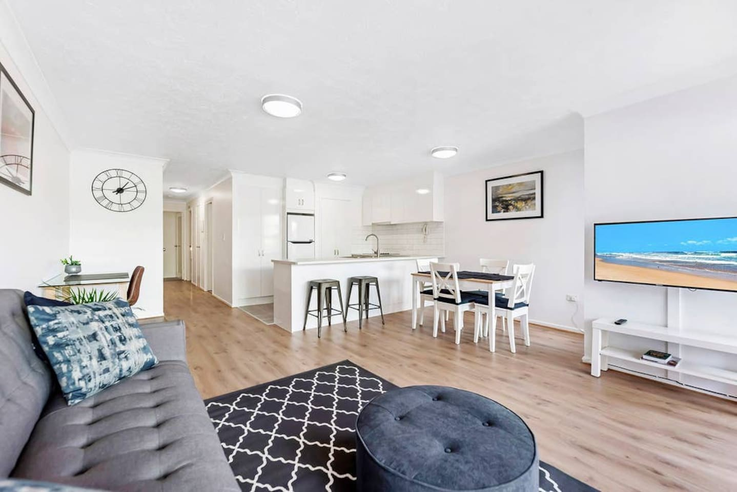 Newly renovated, sparkling two bedroom apartment on the sunny Gold Coast