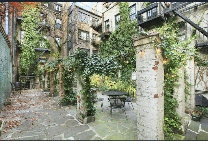 Luxurious West Village Studio with Zen Garden