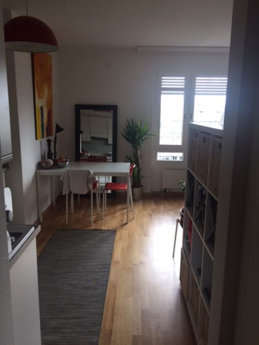 Blick aus Ausgangsbereich in Wohnbereich