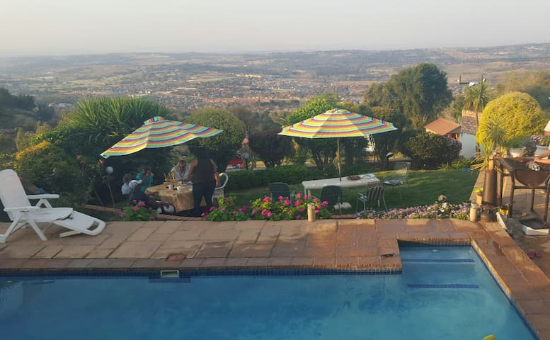 Malende Mountain View - Johannesburg  - Dom