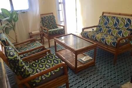 Appart. meublé+terrasse - Furnished apt.+terrace - Dakar