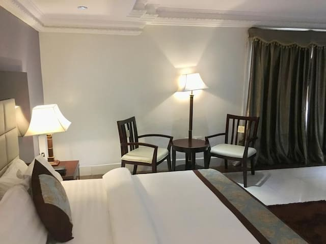 GrandBee Suites-Executive Room