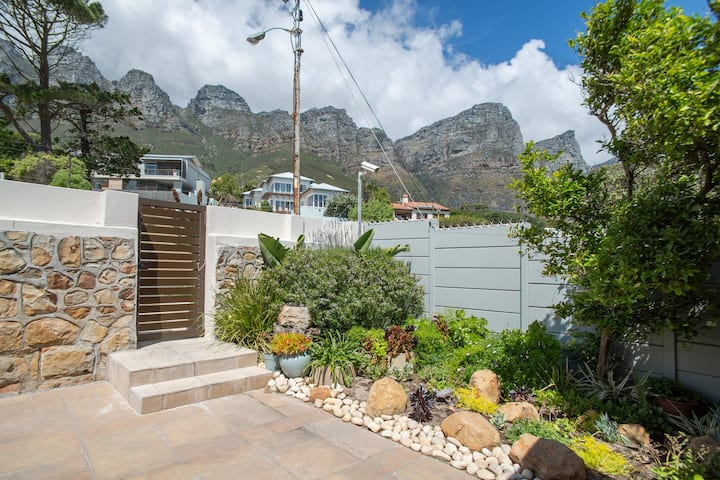 Camps Bay Garden Apartment Near Camps Bay Beach