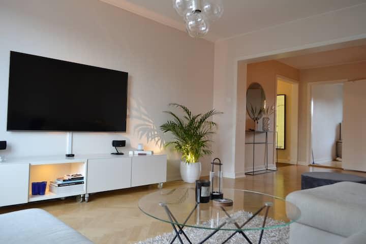Ljus & rymlig lägenhet i centrala Jönköping