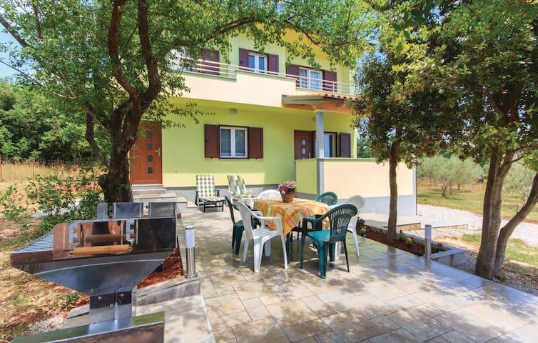 Chez Olives - Peruški - Casa