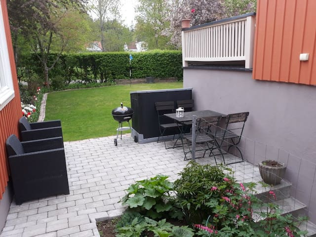 Nice studio apartment close to city / Globen Tele2