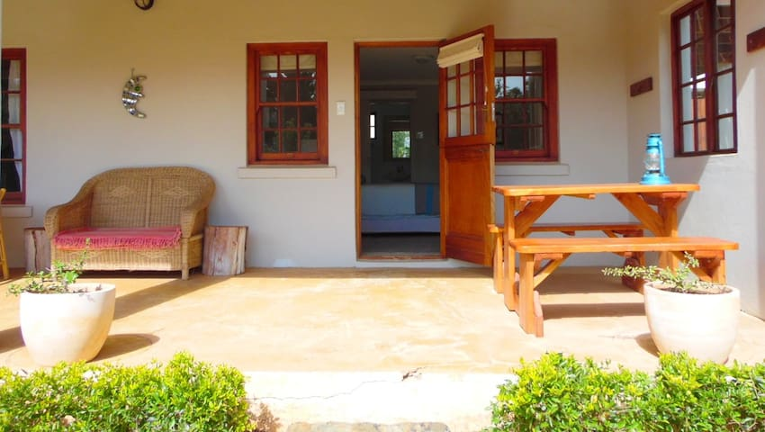 Hoopoe Cottage Self Catering @ SummerHouse