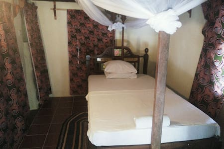 Standard Single Room @ East coast Zanzibar [04]