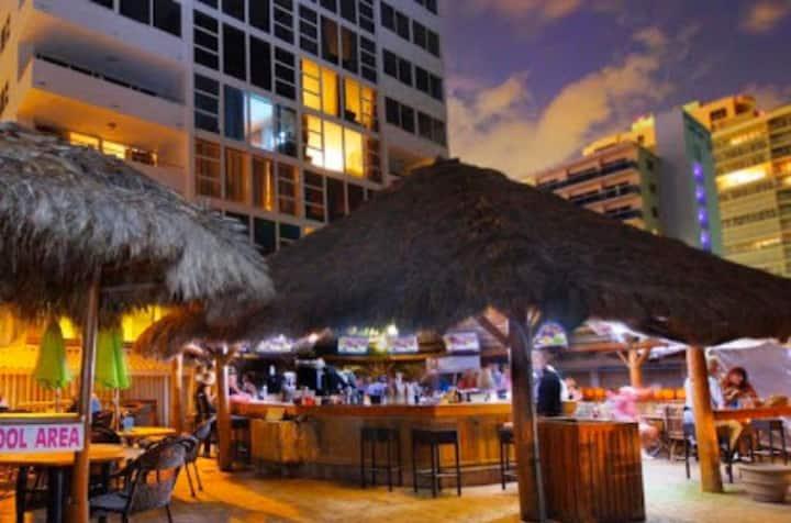 Fort Lauderdale Beach Rose Getaway