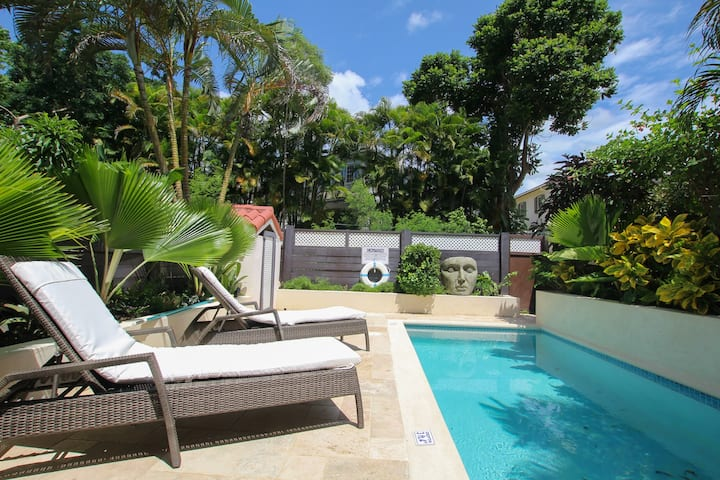 Relax Poolside In Stylish 2-Bed Townhouse #24