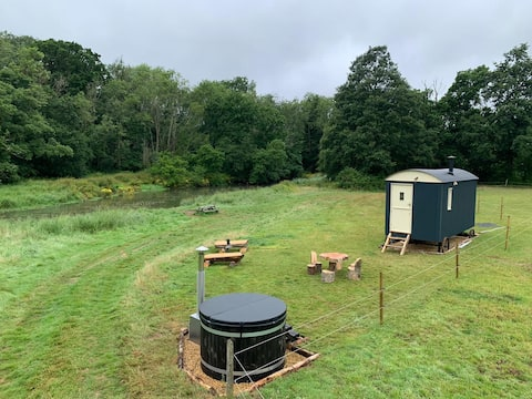 Shepherds Hut with a view and a hot tub