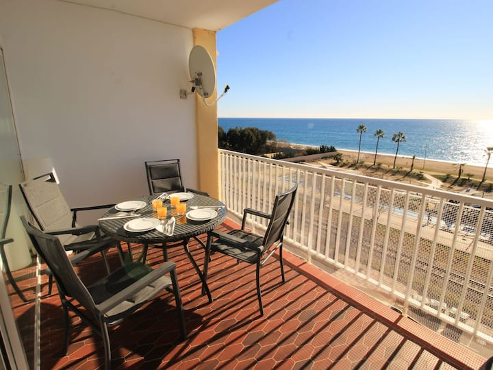 Beautiful apartment for 6 people with WIFI, A/C, TV, panoramic view and parking
