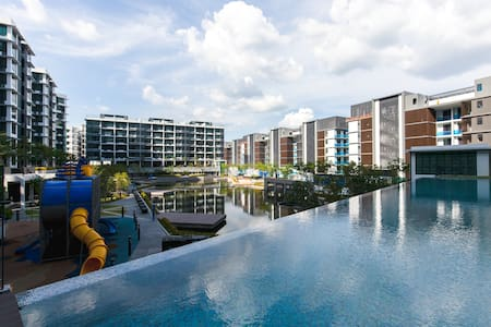Brand New 5* Luxury Sea and Water front Sky Villa - Appartement en résidence
