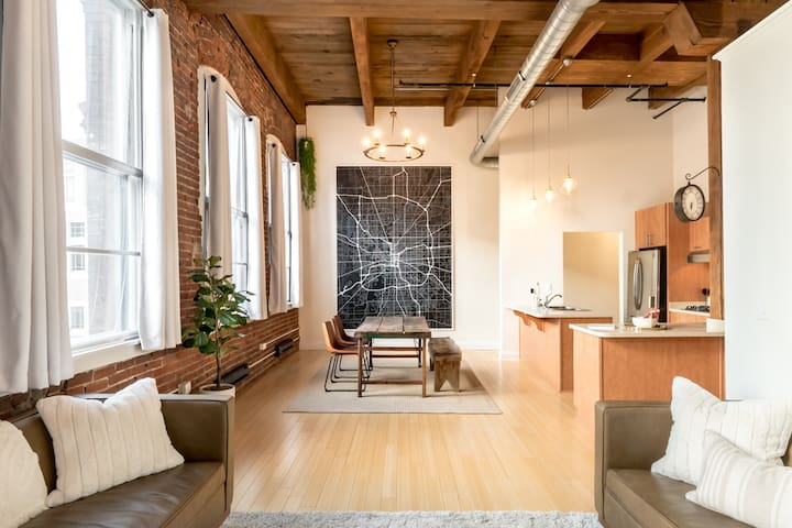 Indy Luxe Loft in Downtown Indianapolis