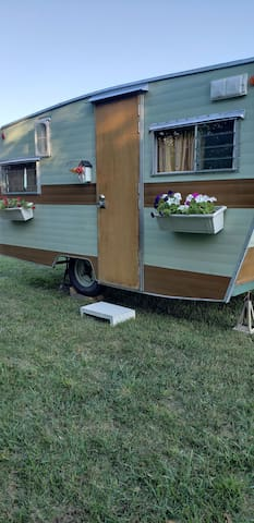 Tiny Camper by Creek - easy access
