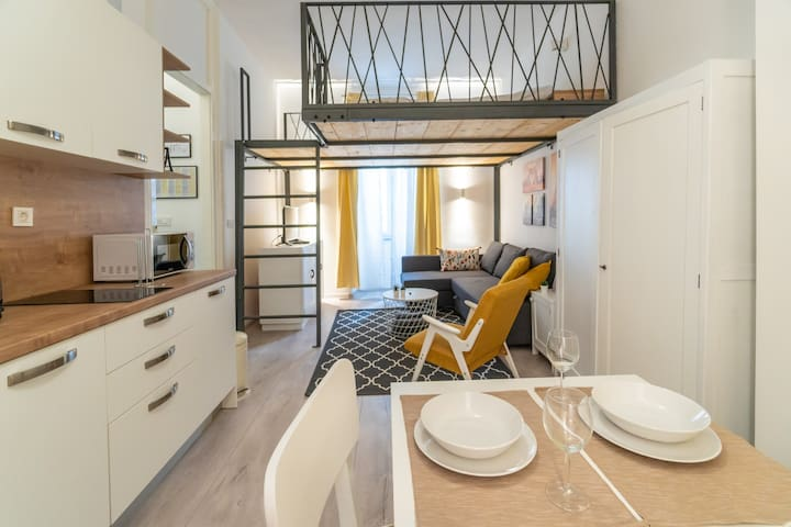"""PomeRi"" Studio Apartment 1 in Rijeka City Centre"