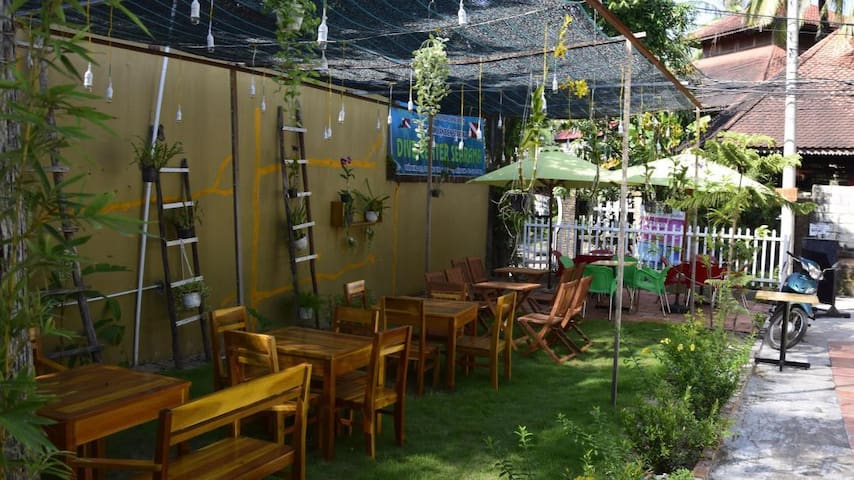 Antinho Hostel Backpackers - tp. Phú Quốc - Bed & Breakfast
