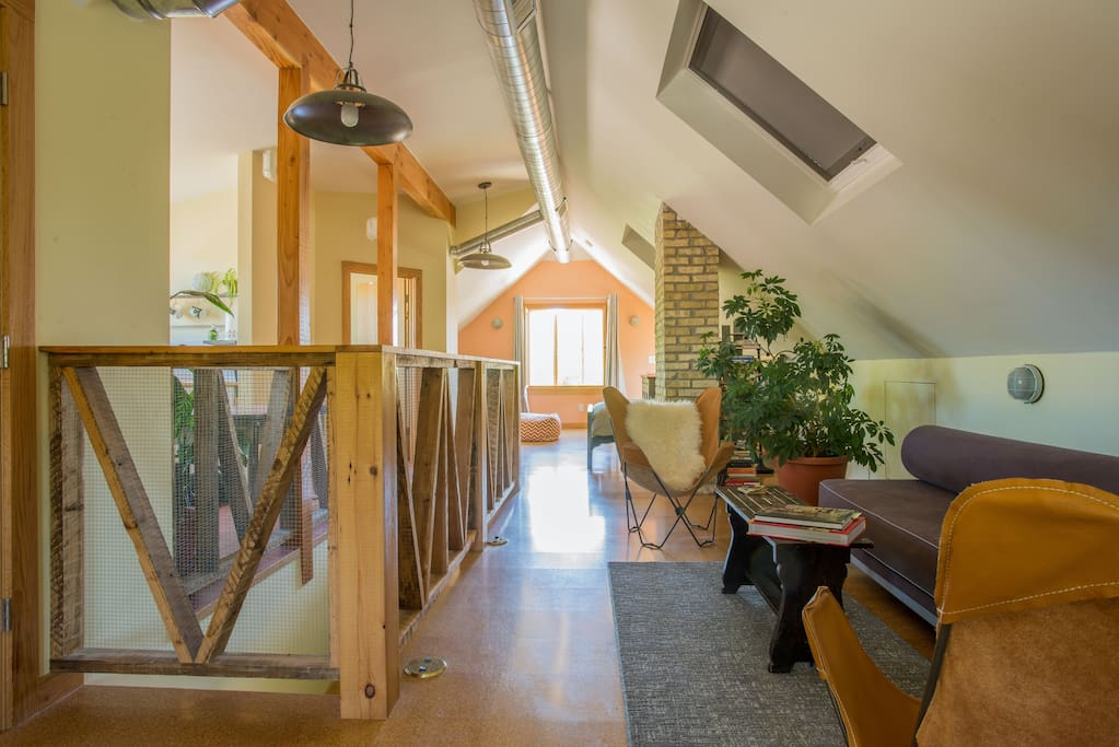 Spacious Loft Private Bath Near Uwm Lofts For Rent In Shorewood Wisconsin United States