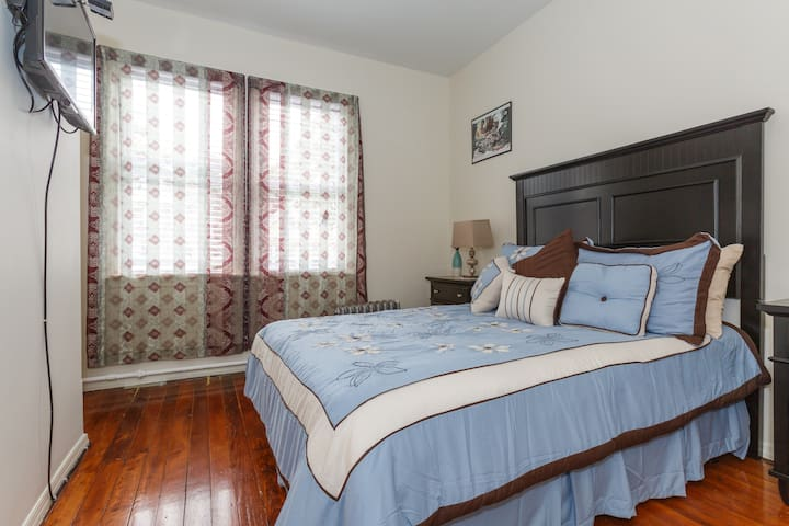 Your Own space close to NYC!!! - East Orange - Hus