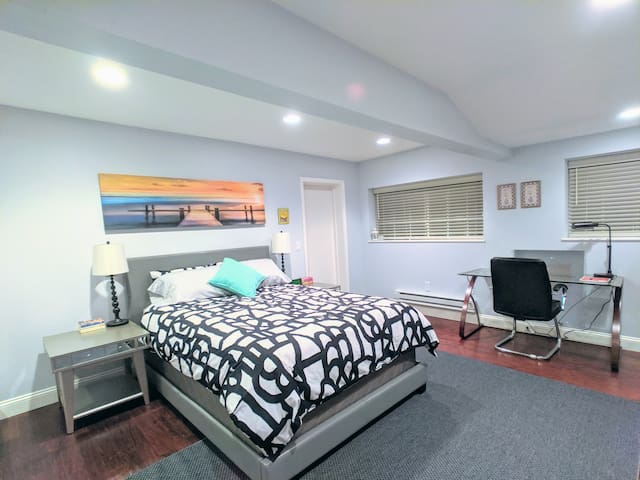 CERTIFIED CLEAN - Room With Bathroom off 17 Highwy