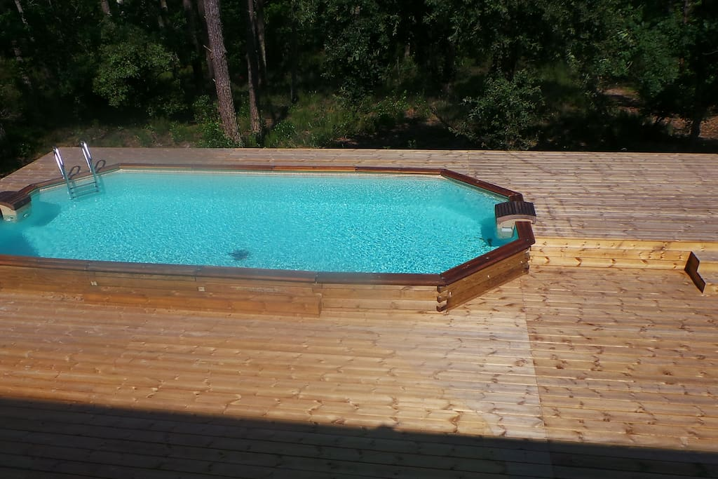 Terrasse avec piscine (8x4 m)