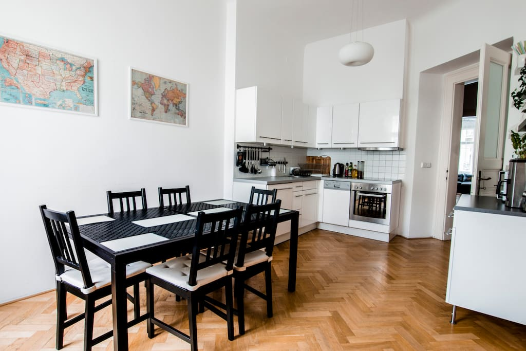 Fully equipped kitchen with seating for 6 people