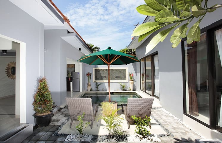 Luxury Villas with Private Pool - Sanur - Βίλα