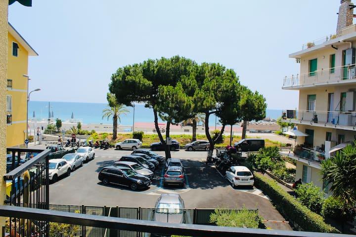 Sea view apartment - Ospedaletti