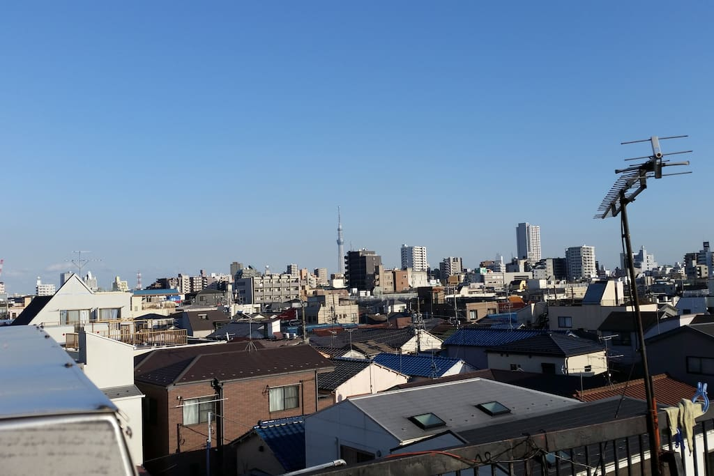Panoramic views from Rooftop will enrich your time here.