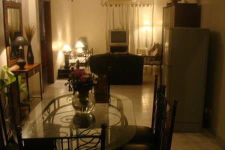 Cosy Western Style Room in Gulshan