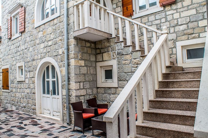 Great Stone House near Split - A4+2 - Kaštel Gomilica