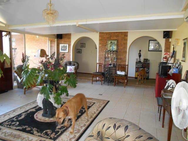 Hunter Valley - Pindari House Bed & Breakfast - Lochinvar - Pousada