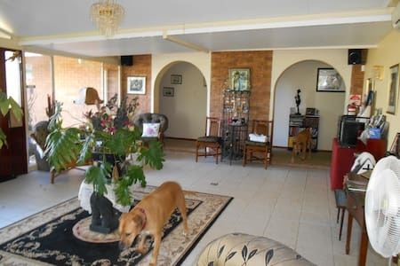 Hunter Valley - Pindari House Bed & Breakfast - Lochinvar - Wikt i opierunek