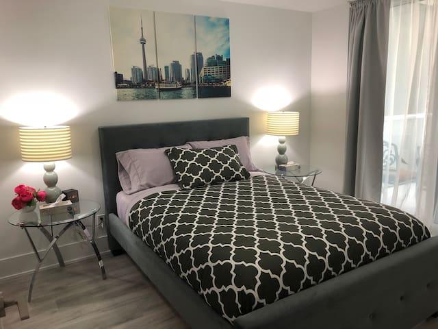 2BR Suite Toronto Waterfront
