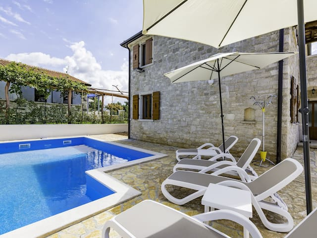 Sanja1 APARTMENT for 6 persons - Umag - Apartment