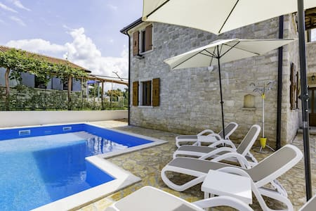 Sanja1 APARTMENT for 6 persons - Umag - Daire