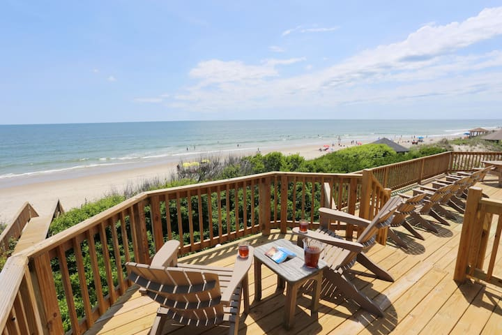 1215 Sea Spirit * Oceanfront * Hot Tub * Ping Pong Table
