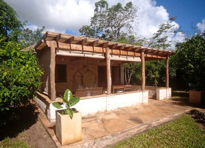 One bedoom cottage 200 meters from the sea - Diani Beach - บ้าน