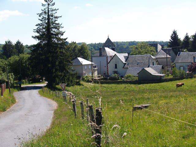 Maison à Champagnac La Noaille. - Champagnac La Noaille - House