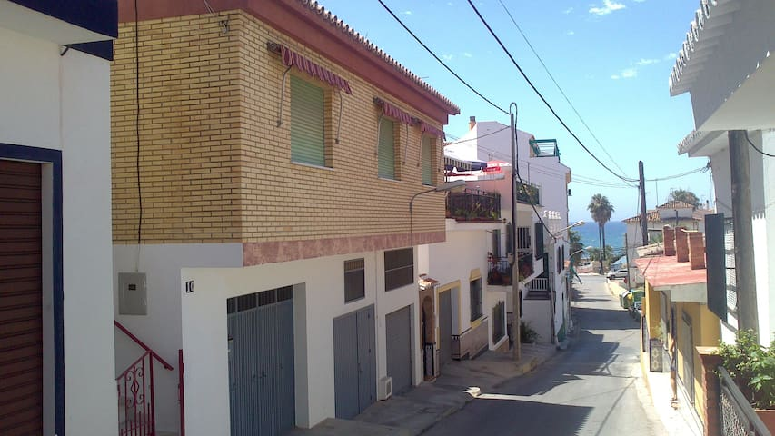 Cozy home 3 minutes from the beach. - Rincón de la Victoria - Hus