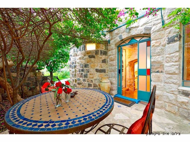 Authentic Galilee stone cottage   - Rosh Pina